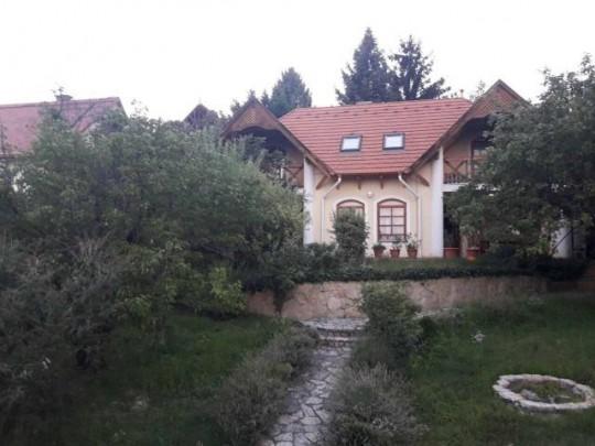 Balatonalmádi, ház eladó 2