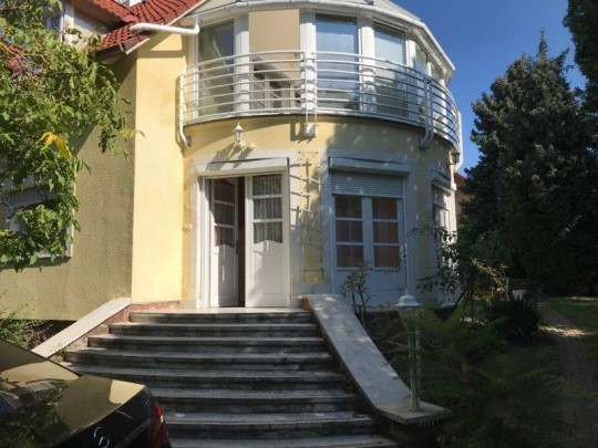 Balatonakarattya, ház eladó 2