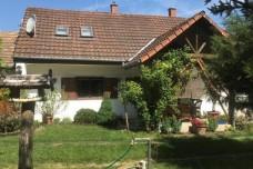 Balatonbozsok, ház