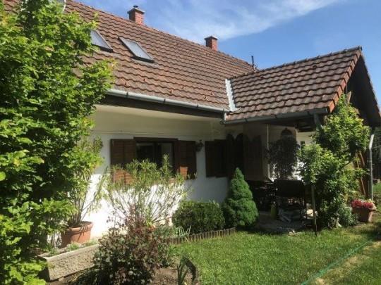 Balatonbozsok, ház eladó 2
